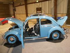 1963 Volkswagen Beetle (splattergraphics) Tags: 1963 volkswagen beetle vw volksrod carshow eastcoastindoornationals marylandstatefairgrounds timoniummd