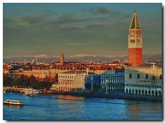 Venedig - San Marco am frühen Morgen (kh goldphoto) Tags: venedig venetien italien 2011 best panoramio138237068421672 sanmarco marcusplatz lidodivenezia sonnenaufgang alpenpanorama weitblick