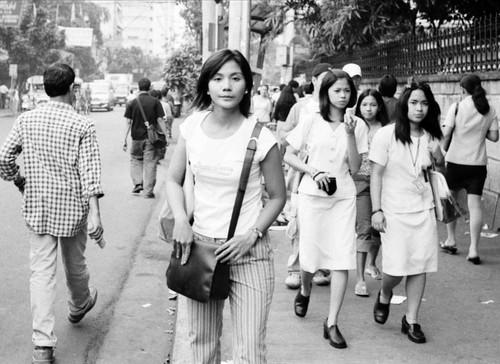 Philippinen  菲律宾  菲律賓  필리핀(공화국) Pinoy Filipino Pilipino Buhay  people pictures photos life Pedro Gil, Manila city, commuting, Philippines, sidewalk, street women