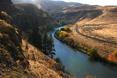 Fall at Milepost 14 on the Yakima Canyon (Scott Butner) Tags: flyfishing personalfave yakimacanyon personalfaves mp14