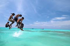 Yahoo! Flickr loves u all!!!!! (muha...) Tags: morning travel blue sea party love water children yahoo jump nikon flickr newyear maldives 2008 2007 islandlife dhoni nikonstunninggallery abigfave muhaphotoscom lastimages nikond300