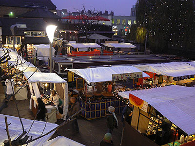 camden Canal market de nuit.jpg