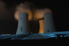 Dukovany at night (morten almqvist) Tags: night sigma toyota powerplant soe nuclearpowerplant avensis dukovany 1530mm sd14 enbrabild rouchovany sigma50th