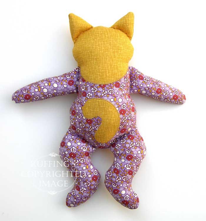 Huggy Kitty by Elizabeth Ruffing