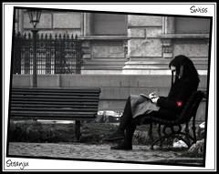 Swiss (Stranju) Tags: bw italy feet girl torino foot switzerland italia suisse legs swiss bn piemonte turin fille biancoenero redcross ragazza cornice panchina stranju betterthangood theperfectphotographer schweizkreuz