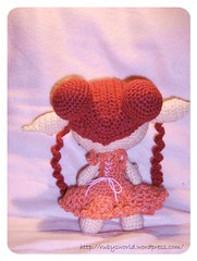 Elfe Lili Rose back (Ruby's World) Tags: rose berry crochet elfe amigurumi lili goblinfly