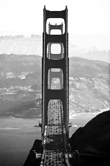 Golden Gate (patrickjoust) Tags: california city bridge urban bw usa white black blancoynegro analog america canon ed rebel golden us nikon gate san francisco flickr 2000 kodak scanner united patrick scan v states joust coolscan biancoenero blancinegre estados bw400cn blancetnoir unidos schwarzundweiss autaut lovelycity cityskip patrickjoust