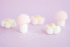 Soft and sweet   -  *explore* (Monica Fiuza) Tags: suave chuches nubes rosa soft sweet sweets pink chucherías