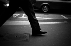 that's one small step for a man (gato-gato-gato) Tags: street city bw white man black digital person foot shoe schweiz switzerland abend spring suisse strasse zurich leg may streetphotography bein bahnhof pedestrian sidewalk mai hauptbahnhof human mann zrich svizzera rathaus altstadt weiss manualfocus schwarz hb fuss innenstadt trottoir schuh frhling onthestreets passant lindenhof mensch feierabend brgersteig fus gehweg zurigo fussgnger manualmode strase outdoorphotography hochschulen kreis1 manuellerfokus gatogatogato leicasummiluxm50mmf14asph fusgnger leicam9 gatogatogatoch