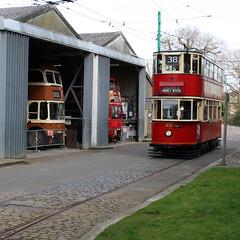 tram (Leo Reynolds) Tags: canon eos iso100 tram f71 30d 30mm 0ev hpexif 001sec leol30random xsquarex xleol30x xxx2007xxx xratio1x1x