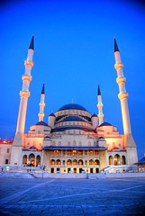 Kocatepe Camii (Ankara) HDR (syrsln / ibo guido) Tags: night turkey relax nikon minaret trkiye mosque guide dslr cami ankara hdr gece minare kocatepemosque objektif kocatepecamii d80 kartpostal flickrcolour enstantane rehber fotorafkraathanesi deklanr thebestofday gnneniyisi syrsln flickrturkey flickrlovers
