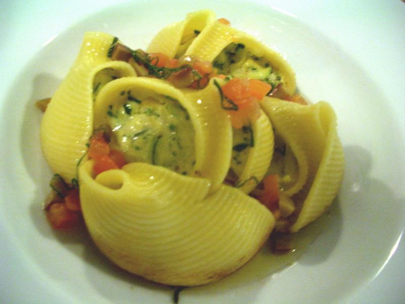 Conchiglioni at Gill's Diner
