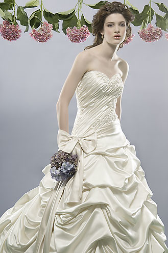 Alfred Sung Wedding Dresses the luxurious glamor