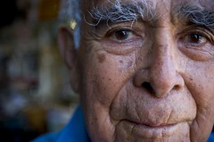 93yr old Barber (Jacob K. Cunningham) Tags: ca usa portraits availablelight portraiture ventura