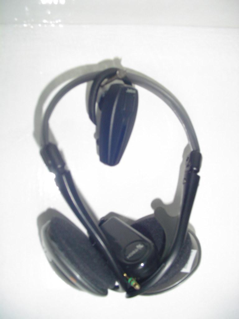 Headset and Headphones