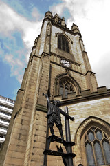 St Nicholas tower & statue (Ruth_W) Tags: tower church statue liverpool lancashire mersey merseyside capitalofculture
