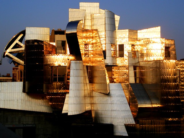 Weisman art museum in the sunset