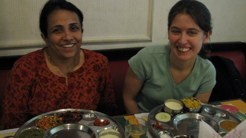 neelu and katy at mysore siddharta 270408