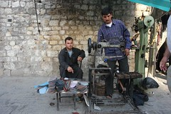Shoe repairers (CharlesFred) Tags: peace middleeast syria hospitality aleppo siria honour  syrien syrie suriye haleb  syrianarabrepublic  middenoosten   streetsofaleppo shoufsyria    welovesyria aljumhriyyahalarabiyyahassriyyah siri