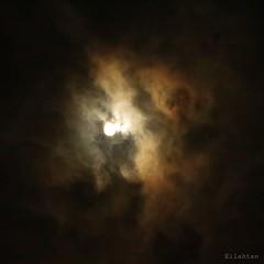 Pleine Lune des Neiges (nathaliedunaigre) Tags: ciel sky fullmoon pleinelune pleinelunedesneiges nuages clouds poétique poetic nébuleux carré square nature