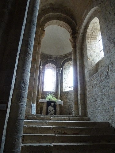 Aisle chapel at Varen in natural light