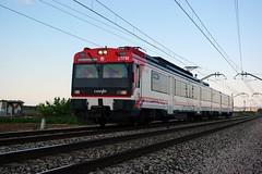 440-207 Zaragoza-Castejn (elandroid) Tags: 2 train tren ut media zaragoza caf 440 regional coches 207 distancia cercanias renfe adif castejon