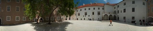 Siklósi vár udvara