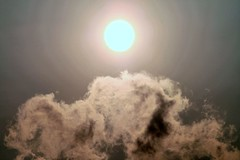 Sun Cloud (PsychoScheiko) Tags: cloud sun slr canon linz eos mirror photo reflex foto fotografie photographie d picture 400 manuel finder 2007 spiegelreflex 400d eos400d scheikl