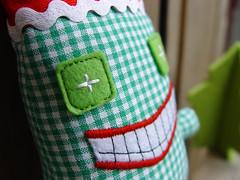 weihnachtsmonster_gesicht (revoluzzza) Tags: christmas baby berlin monster weihnachten toy star navidad design kid doll child designer decoration nol stern imp estrella schmuck handcraft petit elves puppe monstre toile poupe stofftier ornamento livre revoluzzza kindersachen