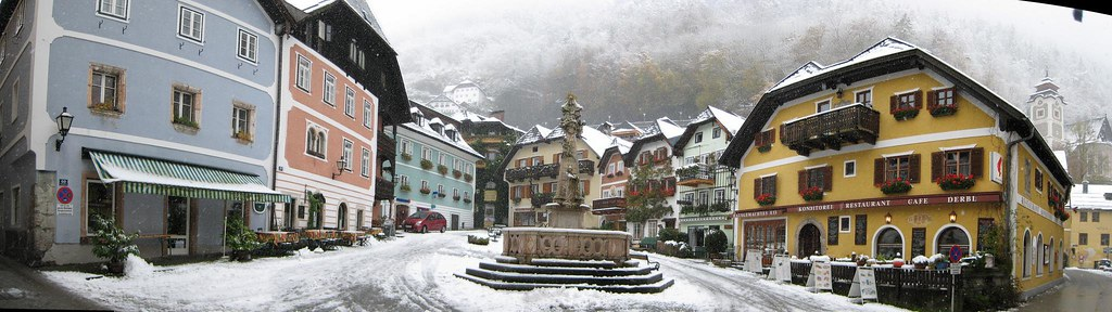 Square in Hallstatt