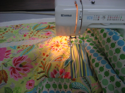 Quilting - stitching in the ditch