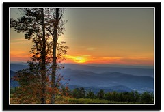 Sunset at Appalachian Trail (Pardesi*) Tags: autumn sunset usa fall nature nikon bravo hiking va valley appalachian wilderness shenandoah magical soe 2007 appalachiantrail skyland skylinedrive shenandoahnationalpark supershot interestingness229 i500 d80 pardesi 18135mm nikond80 shieldofexcellence anawesomeshot impressedbeauty diamondclassphotographer megashot d80camera explore101707