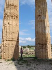 Calogero (sciori) Tags: boy sky italy landscape sicily column selinunte greektemple