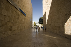 Getty Centre (James Whitaker) Tags: california yellow stone architecture parents losangeles unitedstates bluesky gettycentre richardmieir