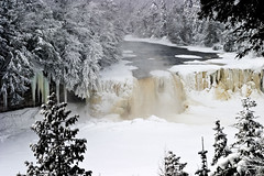 Upper Tahquamen Falls (James Marvin Phelps) Tags: winter photography michigan upperpeninsula jmp tahquamenonfalls tahquamenonfallsstatepark uppertahquamenonfalls mywinners mandj98 watrfalls anawesomeshot flickrdiamond paradisemichigan jamesmphelps jmpphotography tahquamenfalls