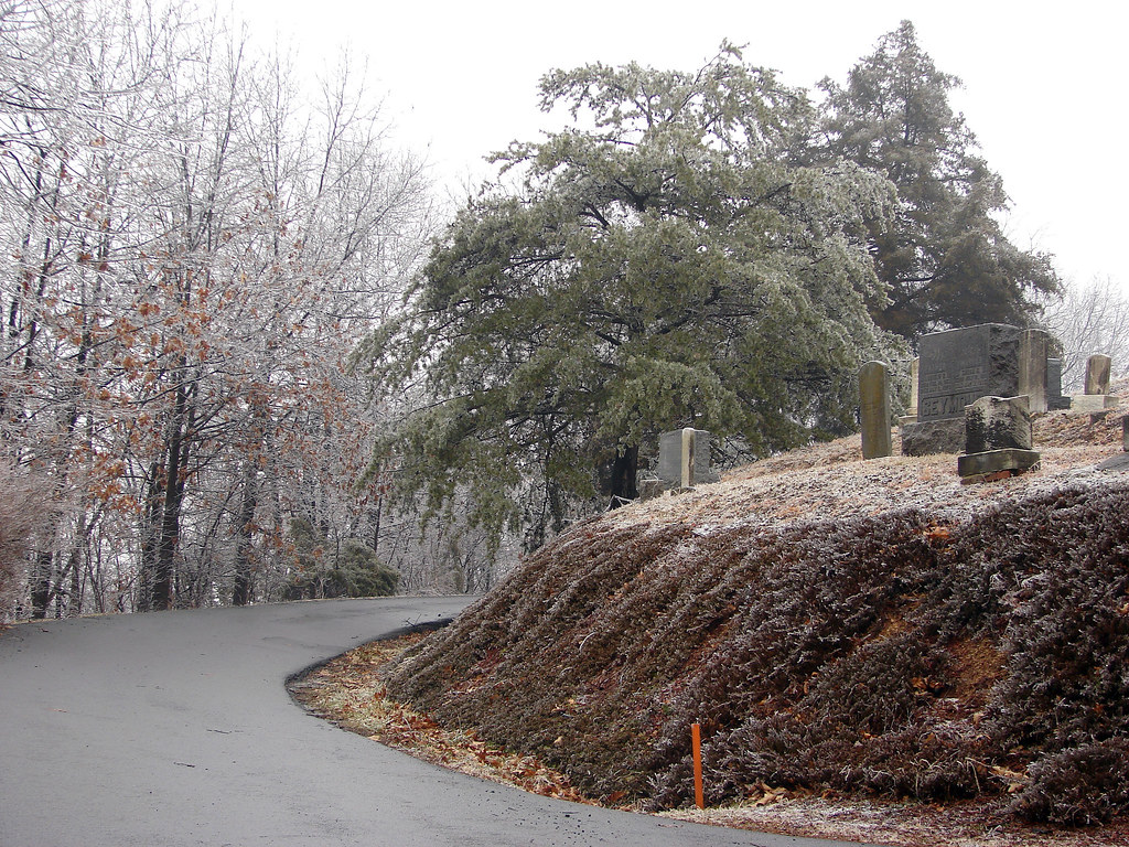 Olivet Cemetery Drive