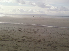 Welsh mountains from Crosby beach (darkmaiden232002) Tags: england mountains beach wales liverpool crosby merseyside sefton ironmen crosbybeach gormleystatues welshmountains