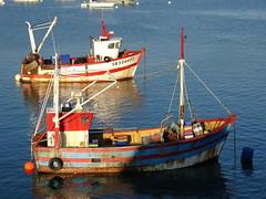 two boats fishing erqui