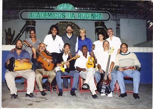 Conjunto Gente da Noite na quadra do Acadêmicos da Rocinha. Reparem o letreiro do fundo.