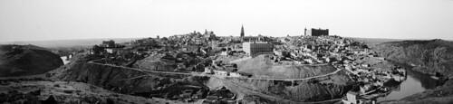 Vista general de Toledo a finales del siglo XIX por J. Lacoste. Archivo Ruiz Vernacci