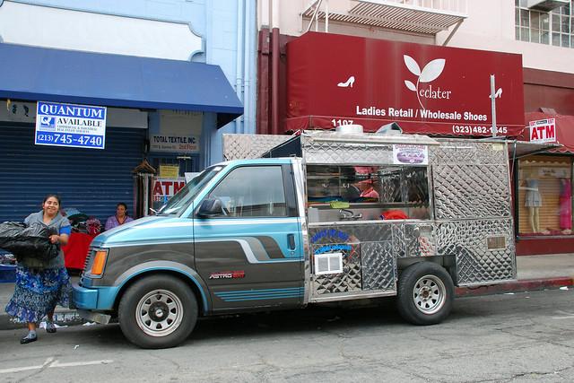 chevrolet la losangeles astro chevy hotdogs van minivan catering foodtruck roachcoach