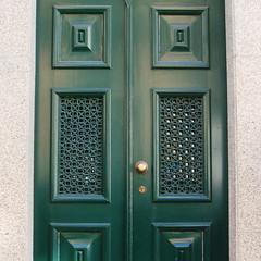 Imagem 9 (tania_ramos28) Tags: verde porta parede quadrados campainha puchador
