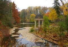IMGP5044a Longwood Gardens in Autumn (cailisi) Tags: autumn fall pond pennsylvania foliage longwoodgardens kennettsquare supershot pentaxk100d aplusphoto cailisi pennsylvaniafoliage