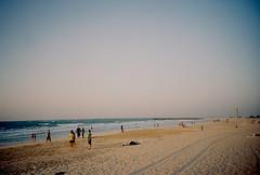 Jumeirah Beach (kilmerpeterson) Tags: lomo lca lomography dubai philippines jumeirah kodakprofoto100 kilmerpeterson