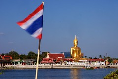 SONY3_ 092823 (andi islinger) Tags: 2016 asia bangkok buddha faith kohkret religion riverscene select temple thailand