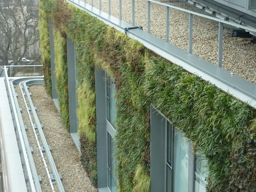 Mint Hotel, London (by: Frost Landscapes via Gavin Walsh, Living Walls)