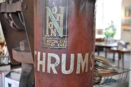 thrums