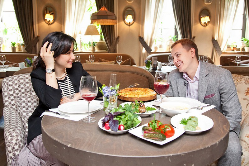 Тина Канделаки и Григорий Гусельников на пресс-завтраке «Вятка-Банка»