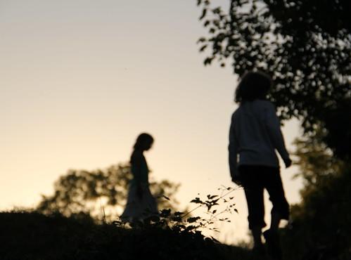 [フリー画像] 人物, 人と風景, シルエット, 201105311700