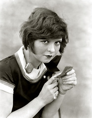 clara bow compact (carbonated) Tags: ladies vintage famous
